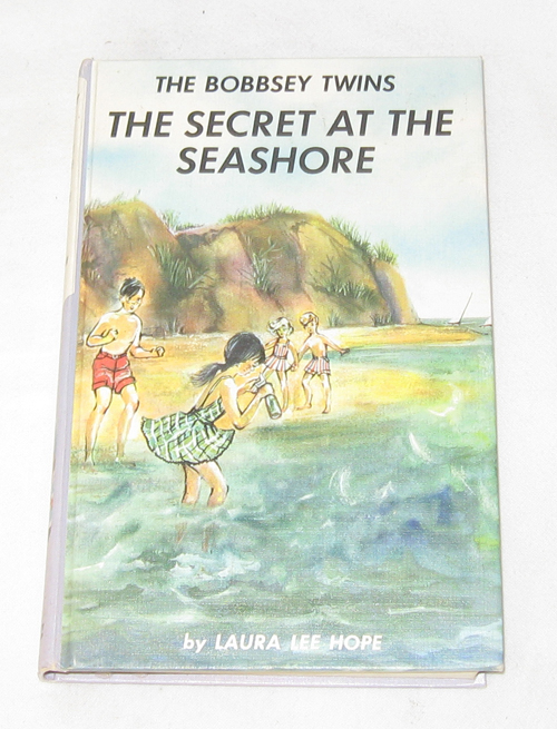 The Bobbsey Twins: The Secret At The Seashore, Hope, Laura Lee; Garis, Lilian (Ghost Writer); Dunn, June (Ghost Writer - Revision)
